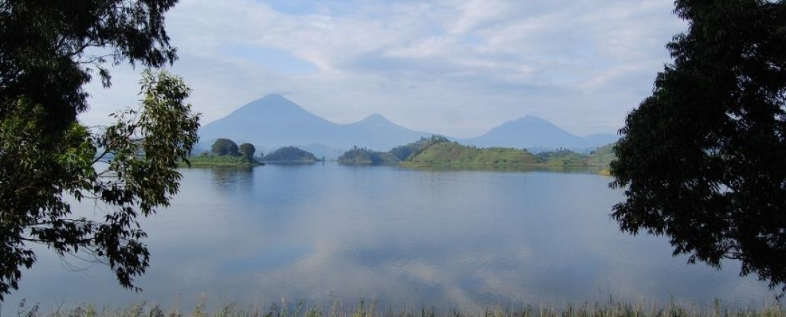 Volcanoes  by lakes Bulera / Ruhondo in Uganda